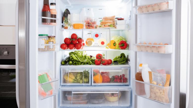 新しい冷蔵庫の購入店舗に処分を依頼する