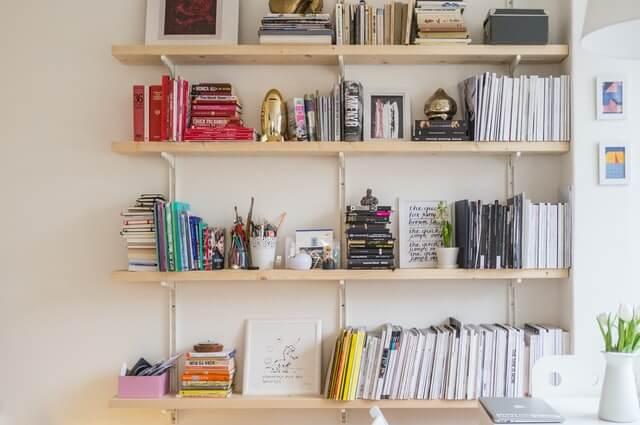 【簡単】電話一本で本棚を引き取ってもらえる業者