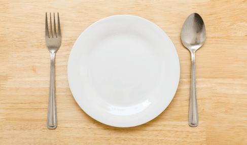 食器を無料で処分する方法⑤:バザーやフリーマーケットに出品する