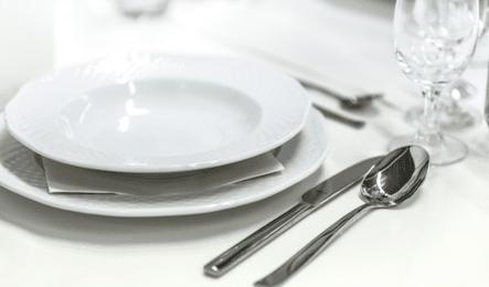 食器を処分する方法:不用品回収業者に依頼する